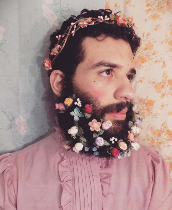 Flowers are beginning to bloom all over the Instagram with the #flowerbeard trend.