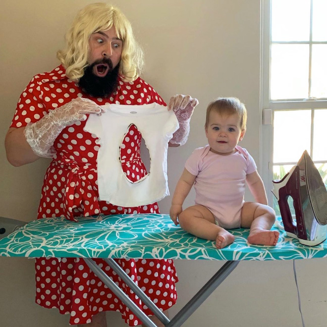 Funny father and daughter photo.