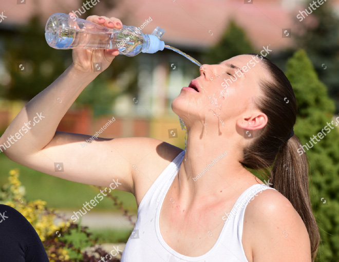 Who would have thought that women are struggling daily to properly drink water?